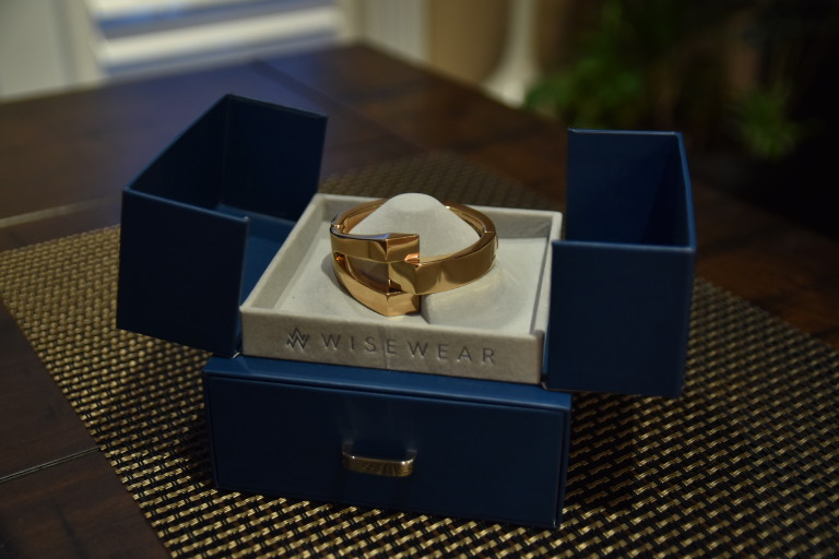 Our First Unboxing Video ? Wisewear's Rose Gold Calder Bracelet