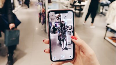 Testing out ZARA's Augmented Reality Experience